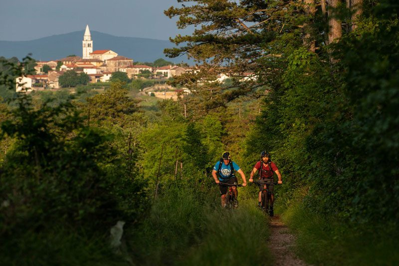 Trans Slovenia 4 two mountain bikers