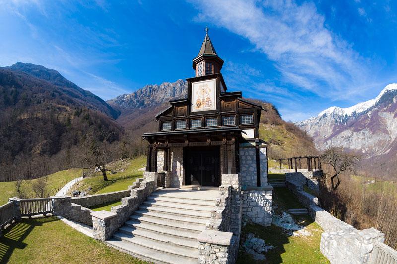 Walk of peace church javorca